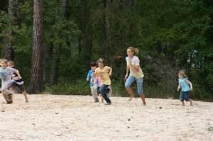 kids-at-the-lake